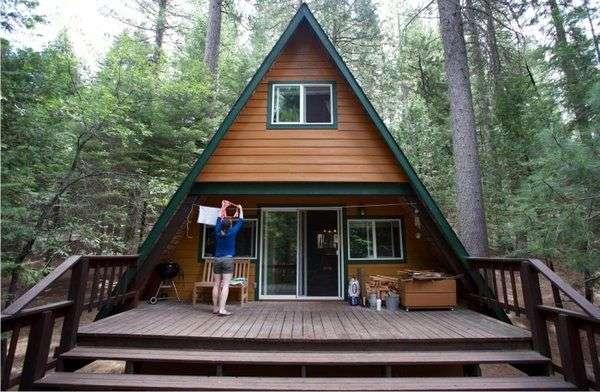 Дом-шалаш на природе